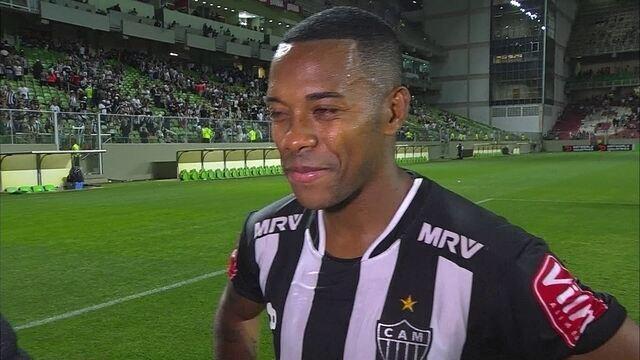 """""""Muita gente aposta mais no Palmeiras e Flamengo. Estamos quietinhos"""", diz Robinho"""