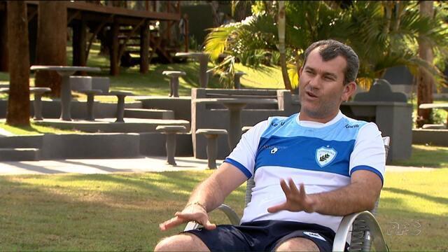 Cláudio Tencati completa 200 jogos no comando do Londrina