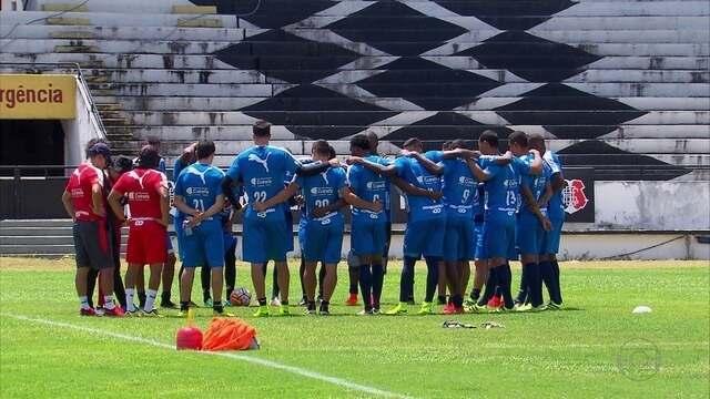 Adversário do Santa Cruz pela Sul-Americana, Independiente faz treino fechado no Recife