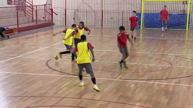 Equipe de futsal sub-15 do Sesi ganha título Mineiro e se prepara para estadual