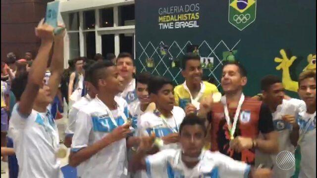 Bahia leva taça no futsal dos jogos escolares