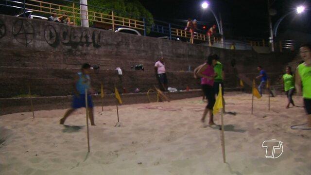 Praia da orla de Santarém vira palco para práticas esportivas