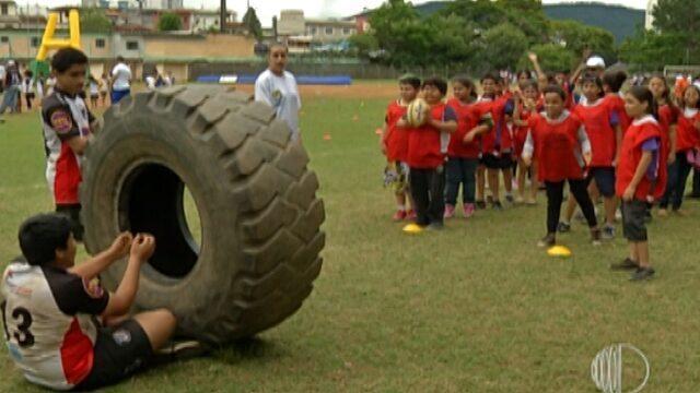 Quinhentas crianças de escolas do Alto Tietê participam do Festival de Rugby, em Mogi