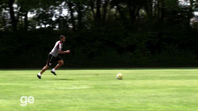 Pé na fôrma: jogadores do São Paulo fazem poucos gol em treino de finalizações