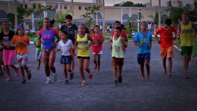 Crianças buscam apoio para a Corrida de São Silvestre