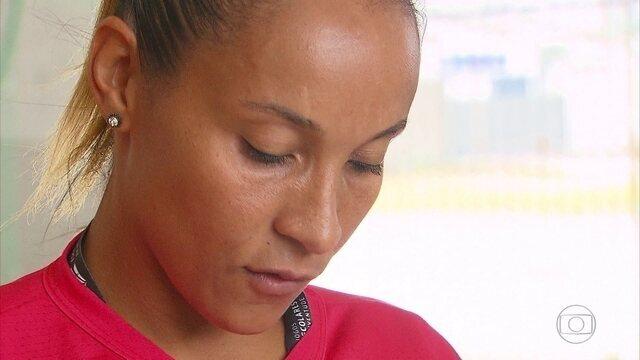 Ex-atleta olímpica, Adrianinha deu intensivão de basquete para criançada no Recife
