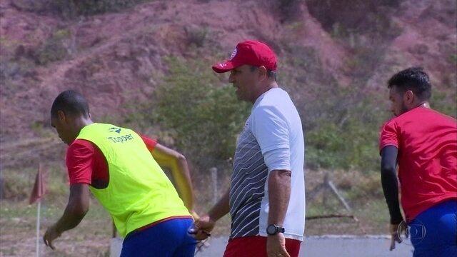Náutico joga segunda-feira com interino Levi Gomes no comando técnico