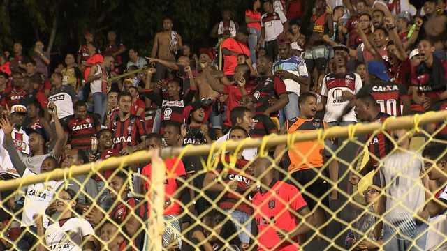 Vitória vence partida contra o Bragantino, mas não convence o torcedor