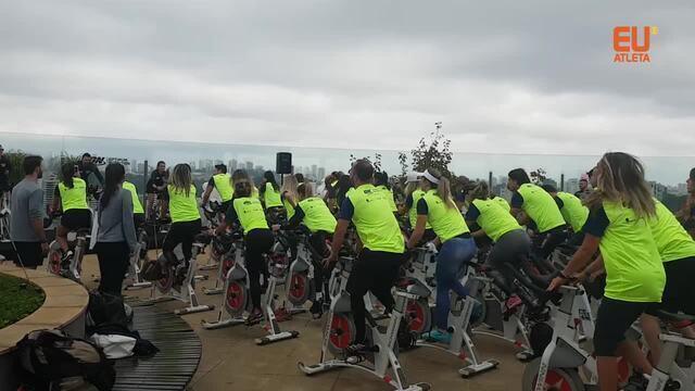 Pedal nas alturas: treino diferente abre último dia do Arnold Classic