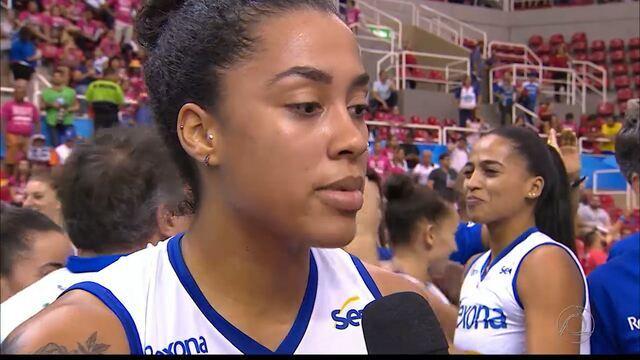 Paraibana comemora mais um título da Superliga de Vôlei pelo Rio de Janeiro