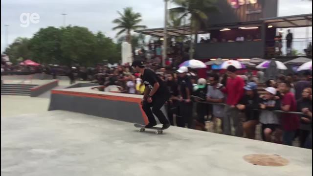Kelvin Hoefler larga na frente no Mundial de Skate no Rio