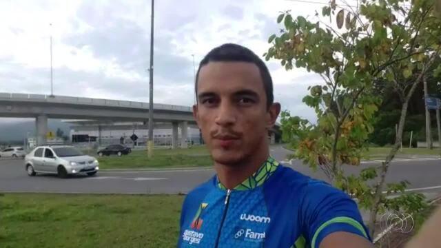 Atleta Vander Praxedes manda recado de Florianópolis onde irá competir em prova de triatlo
