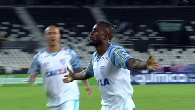 Os gols de Botafogo 0 x 2 Avaí pela 10ª rodada do Brasileirão