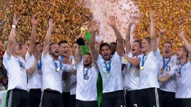 Alemanha levanta a taça de campeã da Copa das Confederações