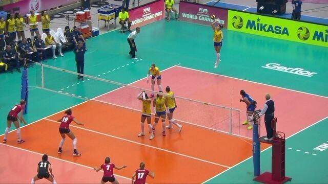 3º set: Ace! Natália consegue ponto de saque e Brasil abre vantagem; 15 x 10