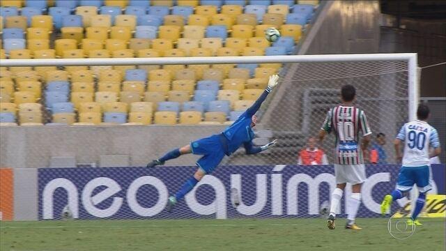 Avaí perde para o Fluminense e chega a três derrotas seguidas na Série A