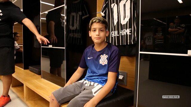 Vai, Corinthians - Guilherme, que sofre de Linfoma de Burkitt, visitou a Arena Corinthians