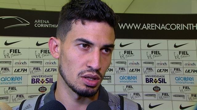 """Pedro Henrique, do Corinthians, fala em cansaço: """"A gente preferiu ficar com a bola"""""""