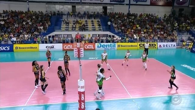 Em fase ruim, Bauru enfrenta o Sesc-RJ pela Superliga feminina