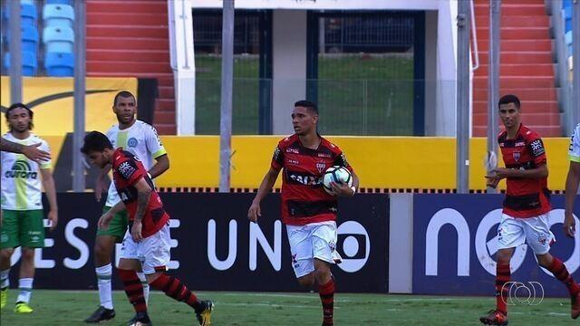 Atlético-GO empata com Chapecoense e é rebaixado