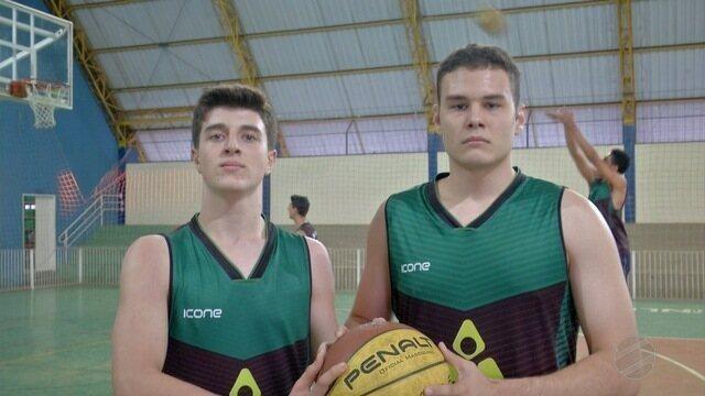 Jogadores de basquete de MS emagrecem 16 kg para os Jogos Escolares da Juventude