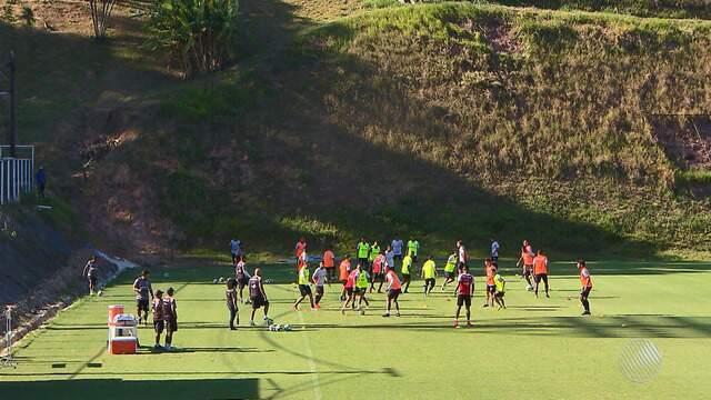 Vitória se prepara para jogo decisivo contra a Ponte Preta, no próximo domingo (26)