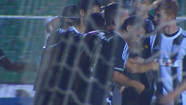 Gol, do Figueirense! Xuxa cobra falta com maestria e não dá chance ao goleiro do Paysandu
