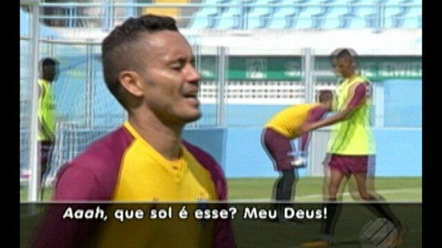 Marquinhos Santos busca a formação ideal e Moisés tenta se adaptar ao clima de Belém