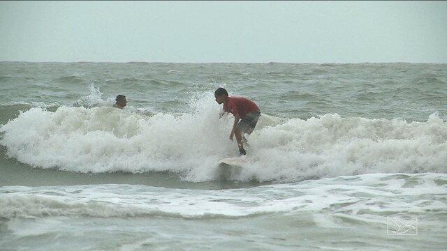 Conheça os indicados do surf no Troféu Mirante Esporte