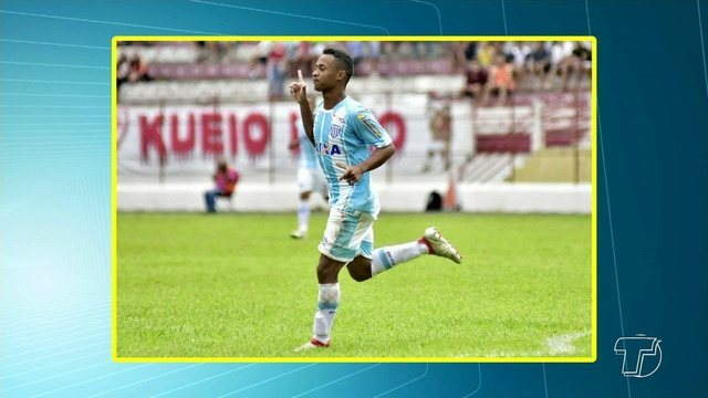 Jogador Vitor Santarém é destaque no Avaí após iniciar carreira em escolinha de base