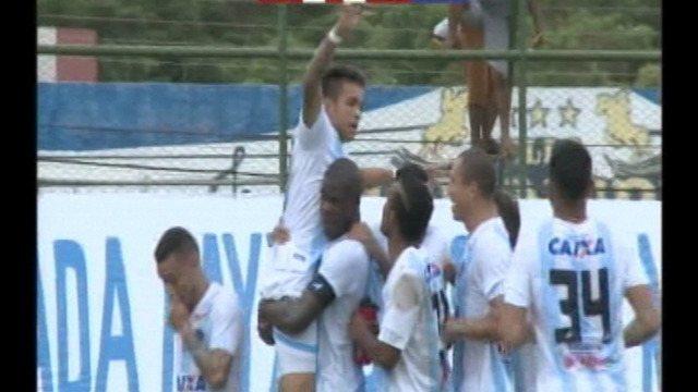 Gol do Paysandu! Fábio Matos aproveita sobra e amplia vantagem