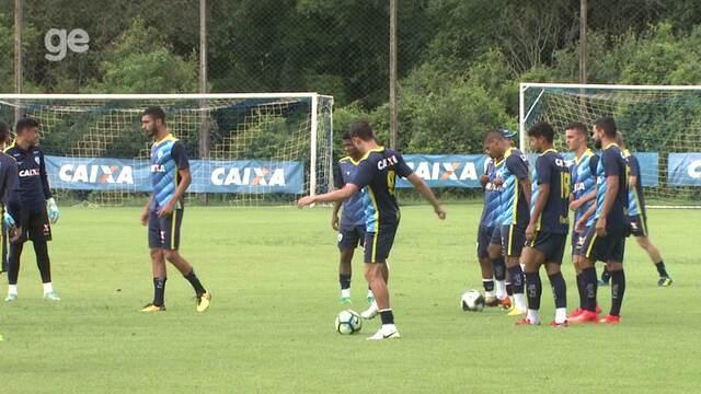 Por dentro do treino: Ricardinho confirma alterações no Londrina e busca mais criatividade