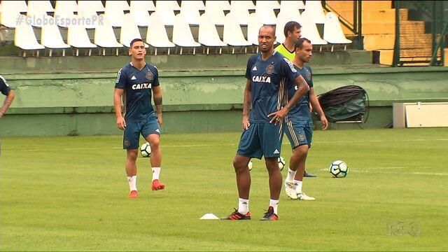 Com mais jogadores na área, Coritiba se prepara para mais um desafio