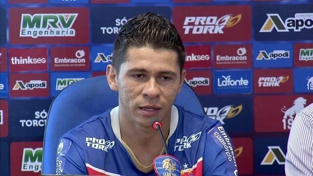 """Osvaldo fala """"dar o nozinho nos caras"""" e para ficar no Fortaleza após três meses"""