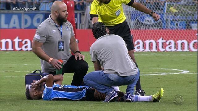 Léo Moura irá ficar quatro semanas afastado do Grêmio por lesão