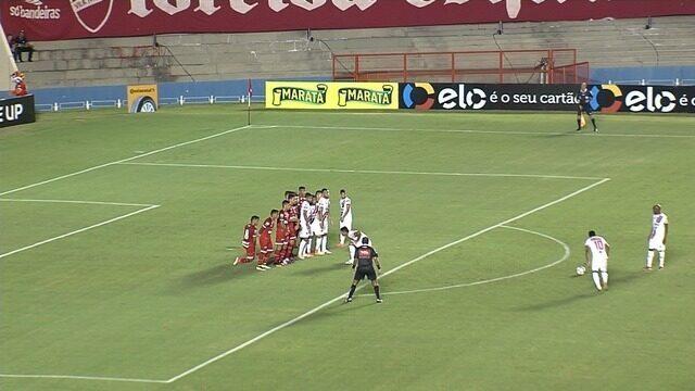 O gol da vitória do Ferroviário sobre o Vila Nova, no Serra Dourada