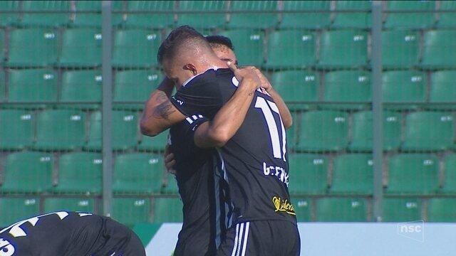 Com time alternativo, Figueirense vence o Inter de Lages e segue na cola do líder