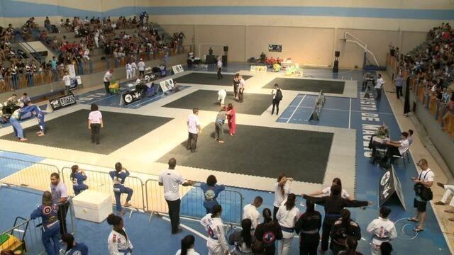 Atletas de vários estados do país participam da Copa Maria Bonita de Jiu-Jitsu, em Maceió