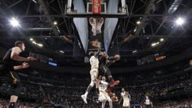 Top 10 da noite na NBA
