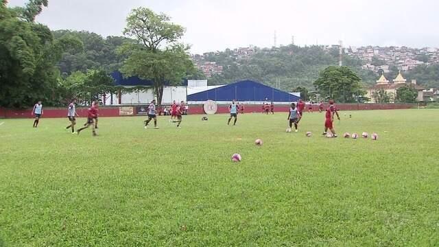 Botafogo-SP treina perto do palco da decisão contra Santos