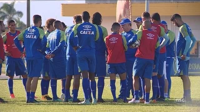 Por fim de série negativa na Ressacada, Avaí recebe o Paysandu nesta sexta (25)