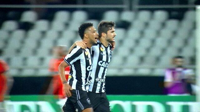 Os gols de Botafogo 2 x 0 Atlético-PR pela 12ª rodada do Brasileirão
