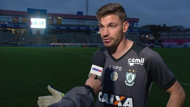 """João Ricardo fala sobre derrota para o Paraná: """"Nossa equipe precisa de tranquilidade"""""""
