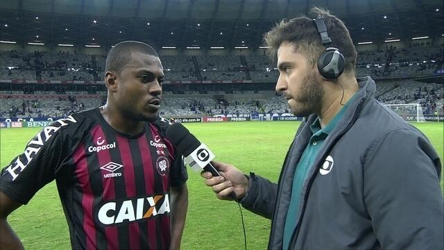 """Cirino lamenta mais uma derrota do Furacão: """"A fase está complicada"""""""