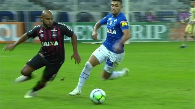 Melhores momentos de Cruzeiro 2 x 1 Atlético-PR pela 14ª rodada do Campeonato Brasileiro