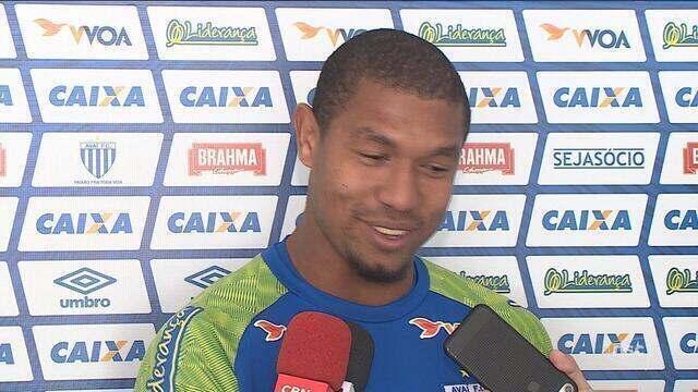 Avaí visita o Brasil-RS e mira manutenção no G-4; Rodrigão brinca com apelido