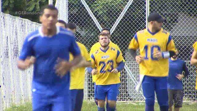 Equipe de futebol americano treina para primeiro amistoso entre times de Rondônia
