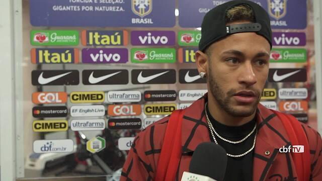 Neymar faz balanço do ano da seleção brasileira após vitória sobre Camarões