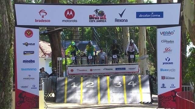 Mario Jarrin sofre queda e sai de maca na Copa América de Downhill