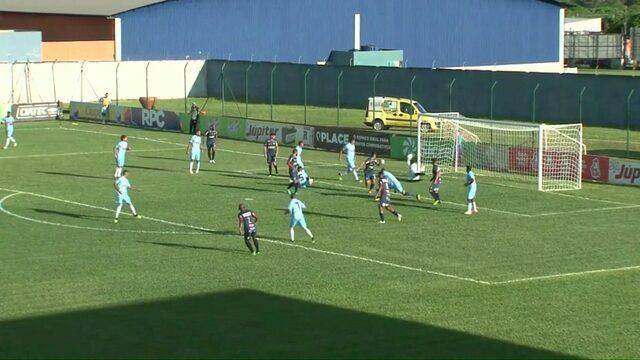 Cianorte x Londrina: Gerônimo chuta, e a bola passa com perigo, aos 46 do 2º tempo